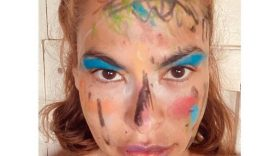 1589760496_Eva-Mendes-Shows-Off-Her-Wild-Makeover-From-Her-Daughters.jpg