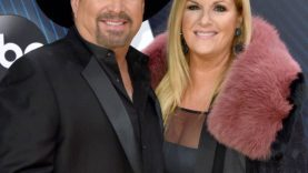 Garth-Brooks-Honors-Queen-Trisha-Yearwood-After-She-Contracts-COVID.jpg