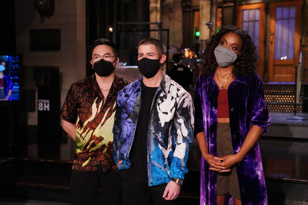 Rege-Jean-Page-Left-a-Note-For-Nick-Jonas-at-SNL.JPG