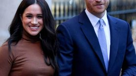 Meghan-Markle-and-Prince-Harry-Reveal-Sex-of-Baby.jpg
