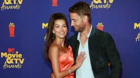 Justin-Hartley-and-Sofia-Pernas-at-MTV-Movie-and-TV.jpg