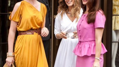 Sarah-Jessica-Parker-Shares-First-Pic-From-SATC-Revival.jpg