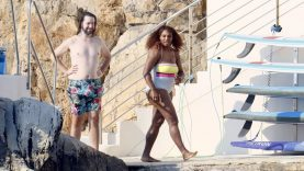 Serena-Williams-Wears-One-Piece-Swimsuit-on-France-Vacation.jpg