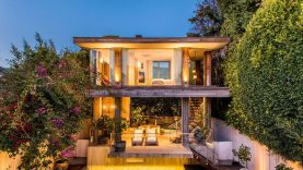 1628044612_Pam-Anderson-Sells-Malibu-House-and-May-Have-Shattered-Real.jpg