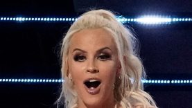 1632356580_Masked-Singer-Wild-Card-Made-Out-With-Jenny-McCarthy-Guess.jpg
